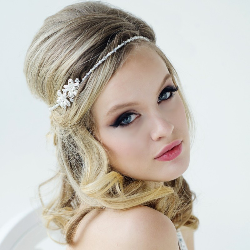 couronne de fleurs strass headband bijoux de tete coiffure mariee chignon mariage boheme chic. Black Bedroom Furniture Sets. Home Design Ideas